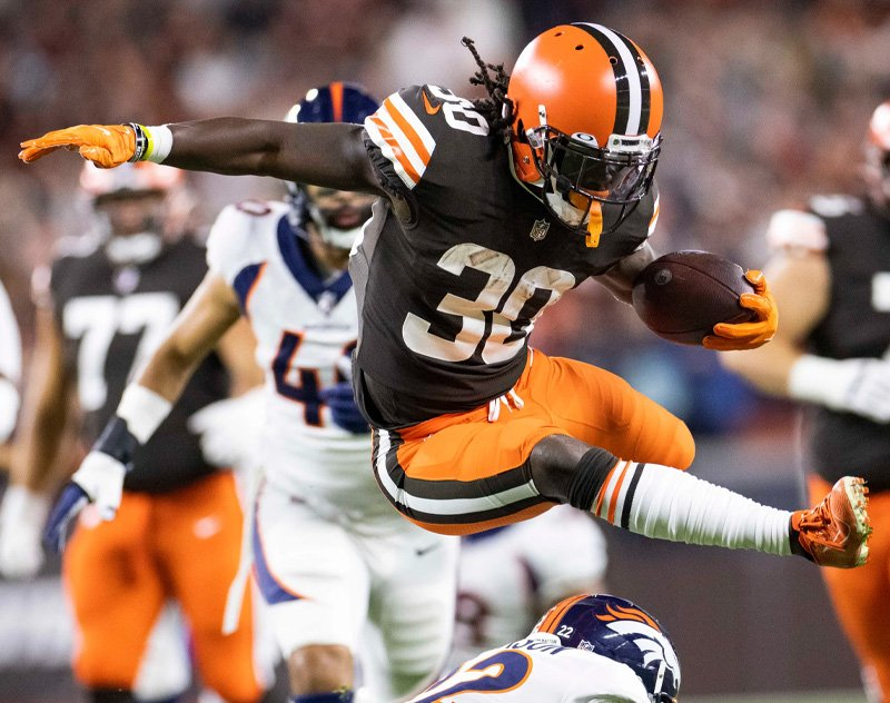 D'Ernest Johnson (AAF Apollos) Leads Cleveland Browns to TNF Victory